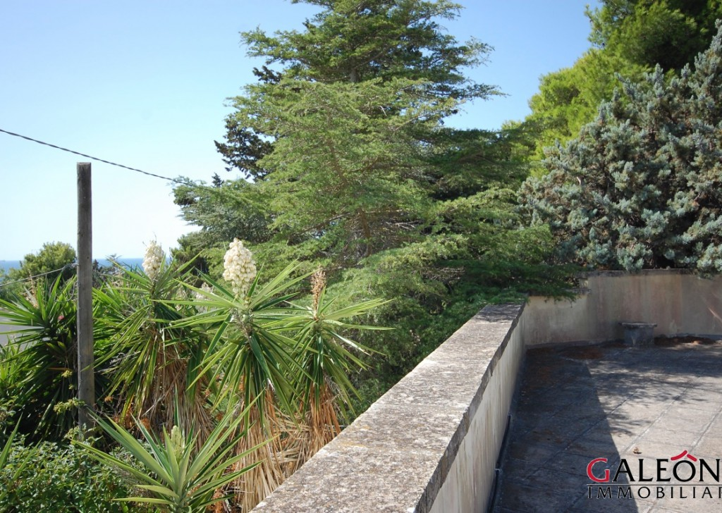 For Sale villa Nardò - Lovely detached two bedroom freehold house with sea view from the private roof terrace. Locality