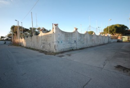 EXCELLENT RESIDENTIAL AND/OR COMMERCIAL DEVELOPMENT OPPORTUNITY BY THE ADRIATIC SEA.