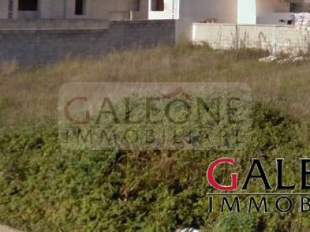 Salento, Uggiano La Chiesa – Residential corner buildable land for sale.