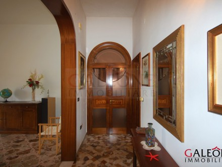 First floor 2-bedroom apartment with terrace and private entrance.