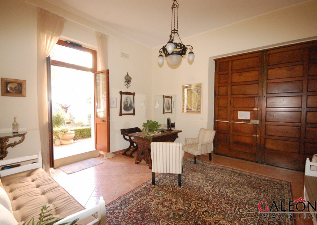 Sale Palazzo/stabile Galatina - Salento, Galatina (Le) – Freehold semi-detached house, with private garden and terraces.  Locality
