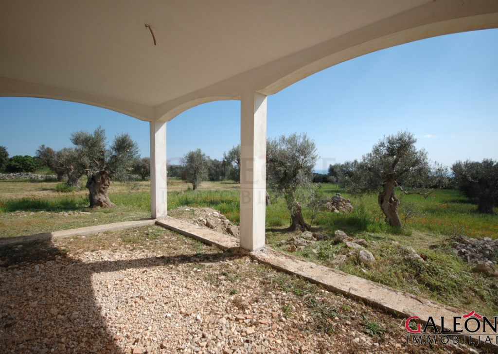 Sale villa Salve - Salento, Marina di Pescoluse (Salve - LE). Detached freehold 3bedroom cottage for sale. Locality