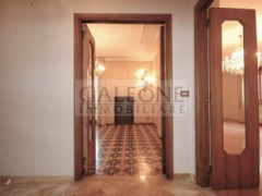 Lecce, Zona Conservatorio - A beautifully arranged three bedroom first floor apartment.  - 15
