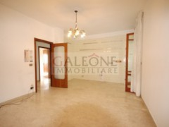 Lecce, Zona Conservatorio - A beautifully arranged three bedroom first floor apartment.  - 14