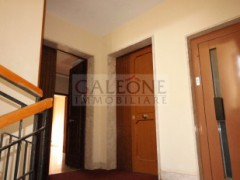 Lecce, Zona Conservatorio - A beautifully arranged three bedroom first floor apartment.  - 5