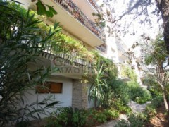 Lecce, Zona Conservatorio - A beautifully arranged three bedroom first floor apartment.  - 25