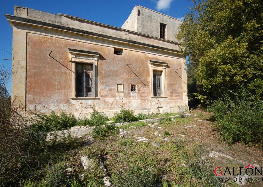 Sale Historic house Lecce - Freehold period house with private land. Locality