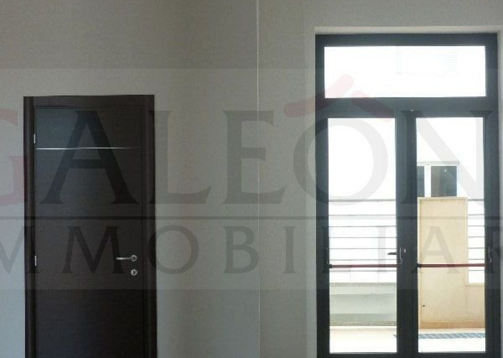 Sale Commercial property  Lecce - Corner commercial property for sale Locality