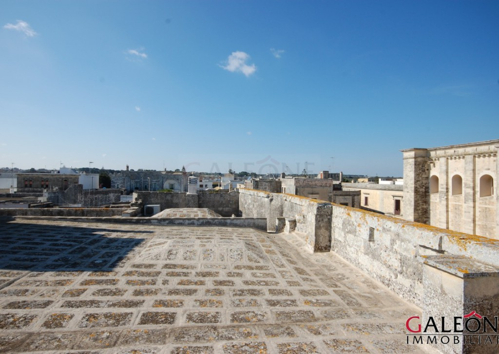 Sale Period building Minervino di Lecce - Historical freehold four-storey Palace, with rear garden. Locality
