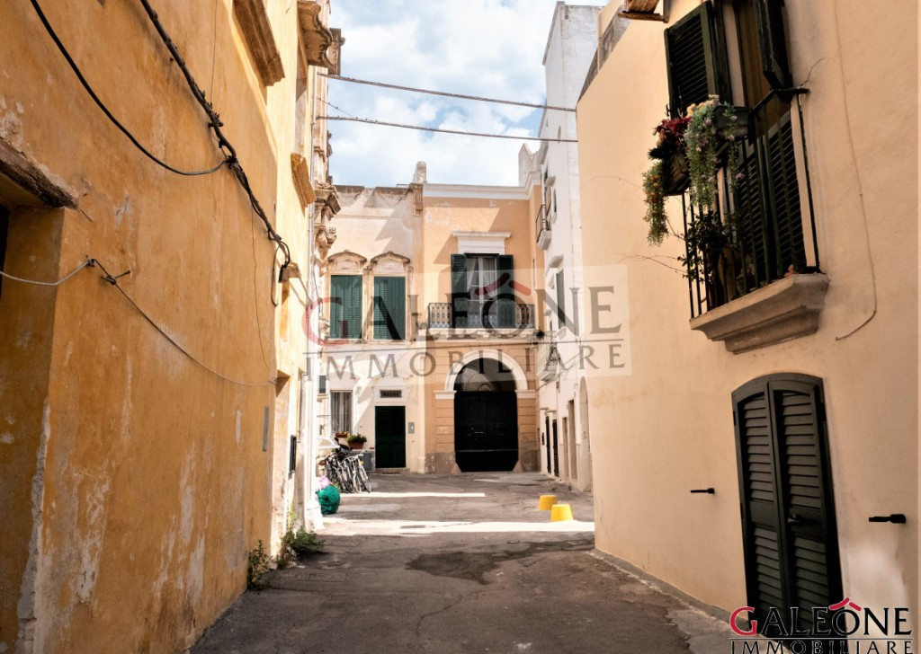 Sale Period building Gallipoli - Period terraced three-storey 5-bedroom palace for sale in Gallipoli Locality