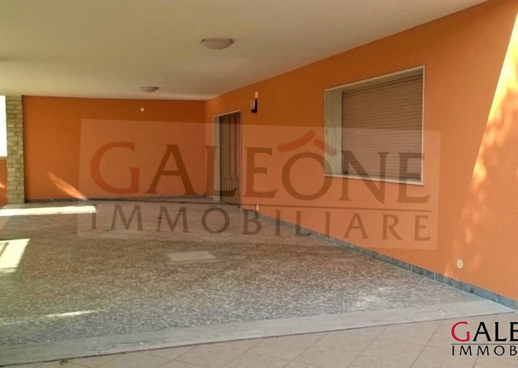 Sale villa Collepasso - Salento - Collepasso (Le). Detached corner villa, with private garden. Locality